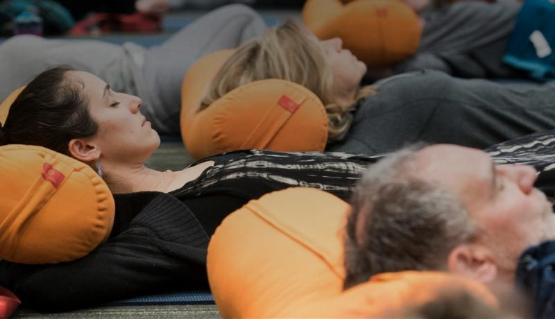 Students Practicing 1 800x460 - How Kaiut Yoga Can Benefit the Body and the Brain